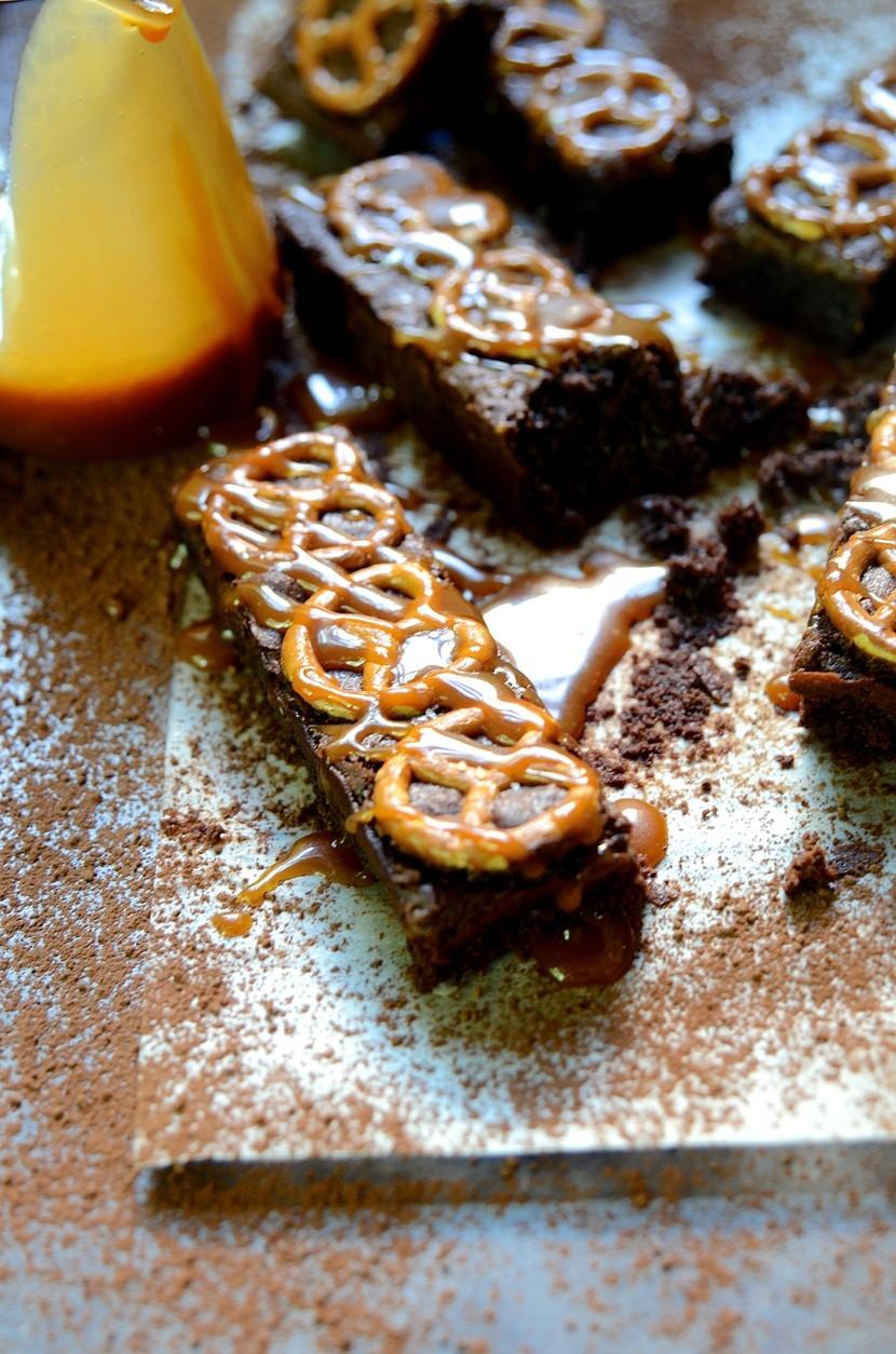 Salted pretzel brownies with caramel sauce