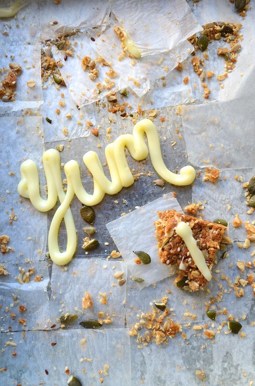 The best healthy seeded oat crunchies | A Bibbyskitchen recipe