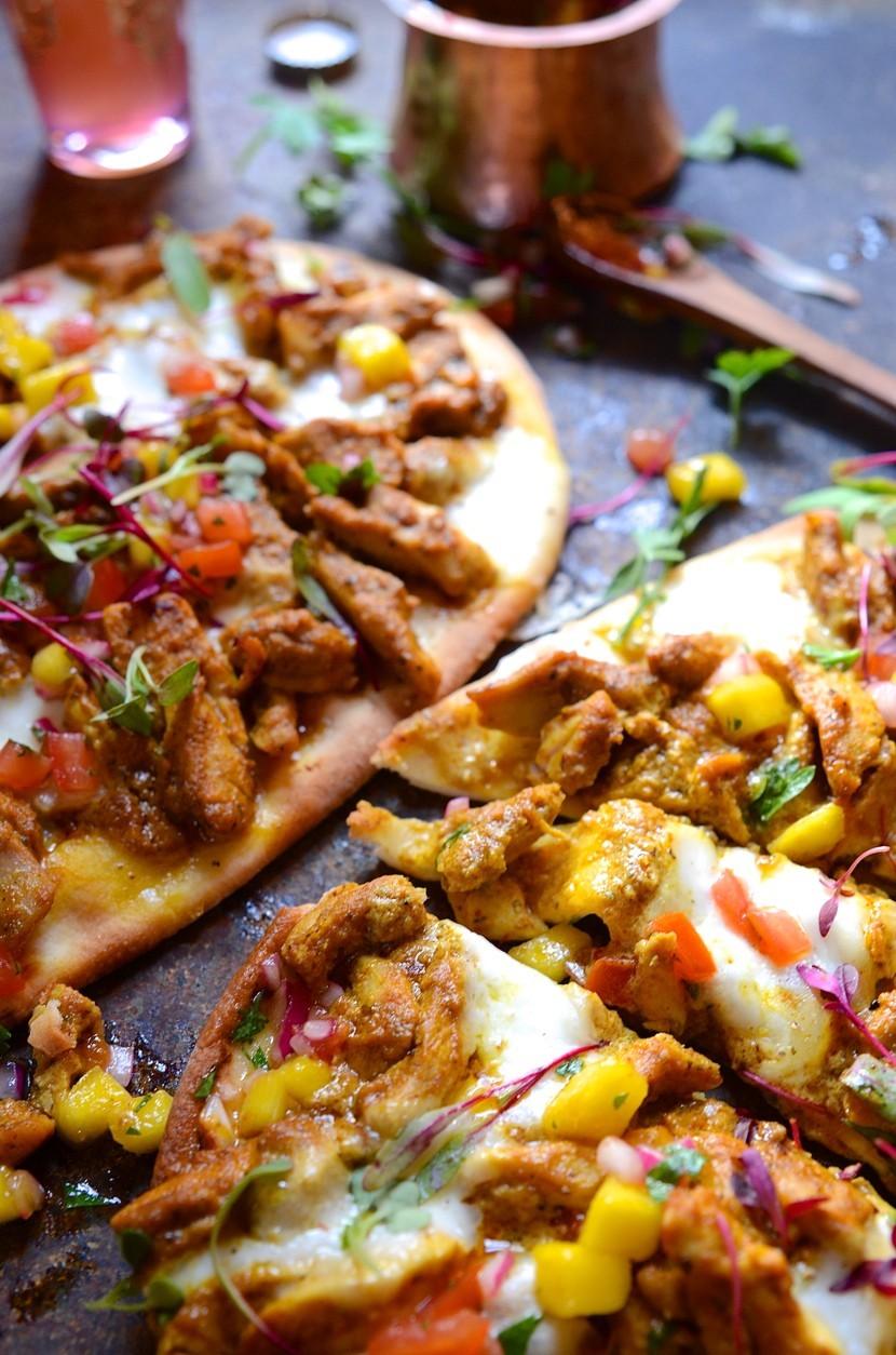 Chicken korma naan bread pizza