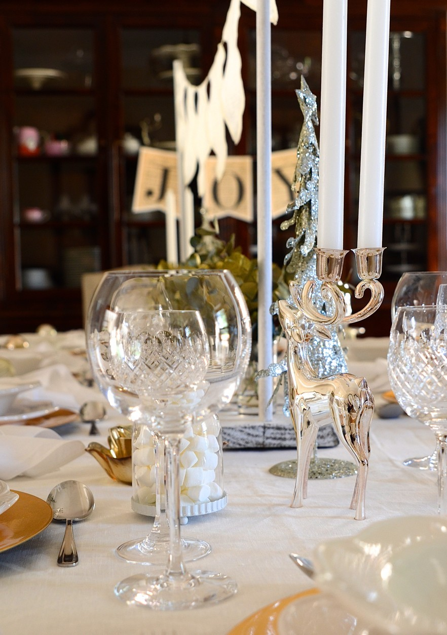 A shimmery white Christmas table and homemade vanilla extract   Dianne Bibby is a Johannesburg food stylist, recipe developer, and food blogger.   Table