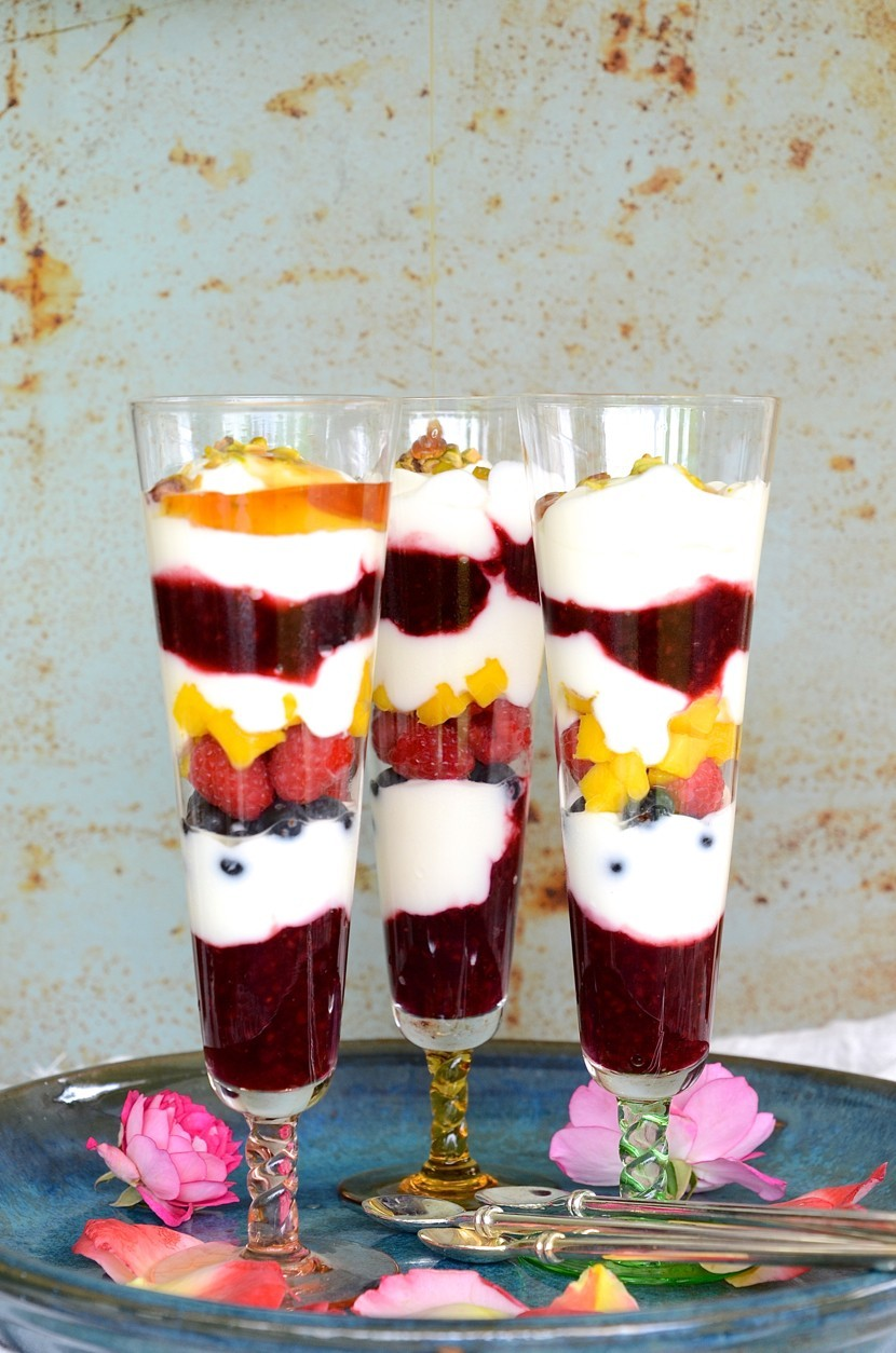 Berry breakfast parfaits with yoghurt and honey | Bibby's Healthy breakfast recipes