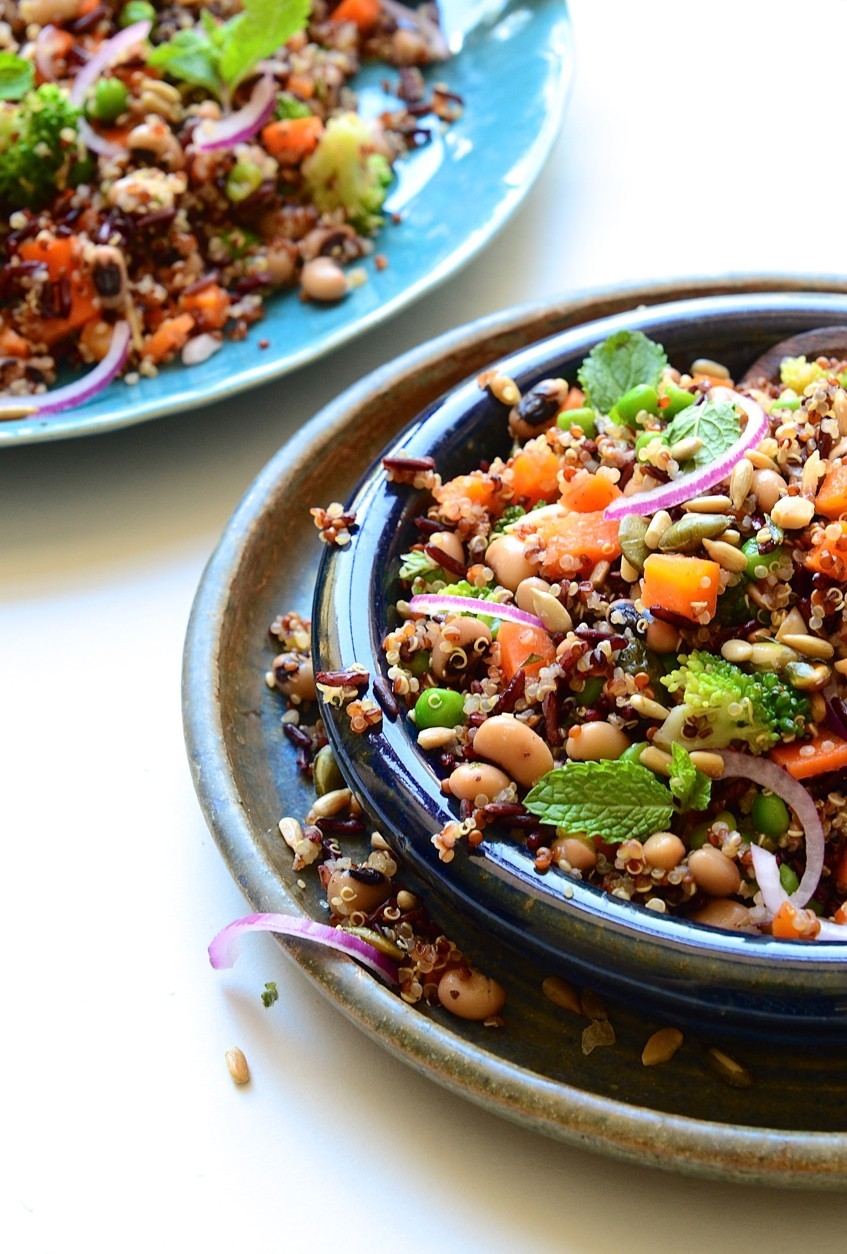 Black-eyed bean quinoa salad bowl|mint and dressing