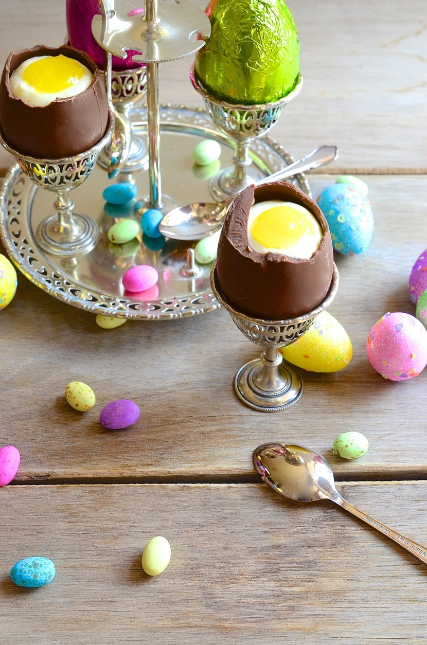 Easter egg cups with white chocolate mousse and lemon curd yolks + Baked Nutella chocolate mousse torte | Dianne Bibby is a Johannesburg food stylist, recipe developer, and food blogger. | Egggg