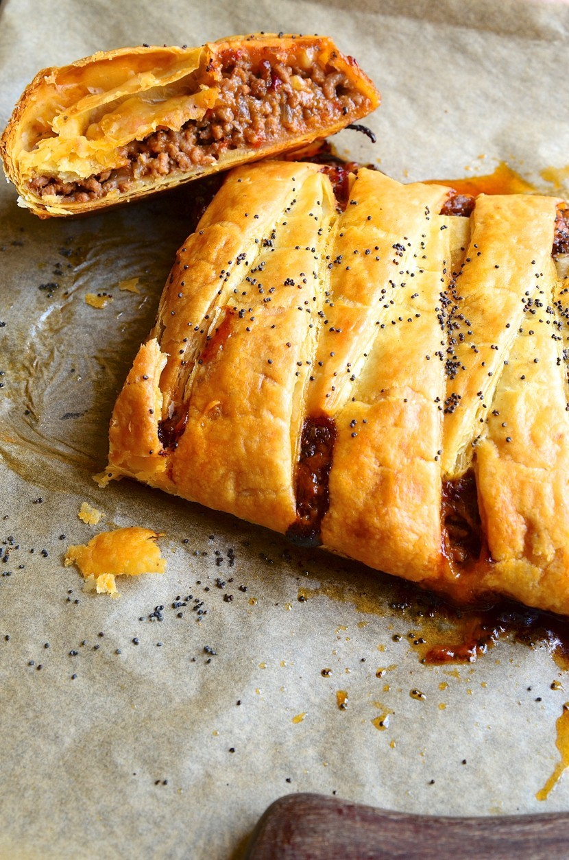 Spicy Mexican meat plait with manchego | Bibbyskitchen recipes