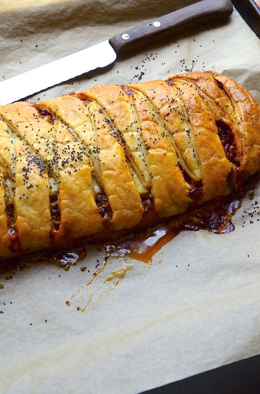 Spicy Mexican meat plait
