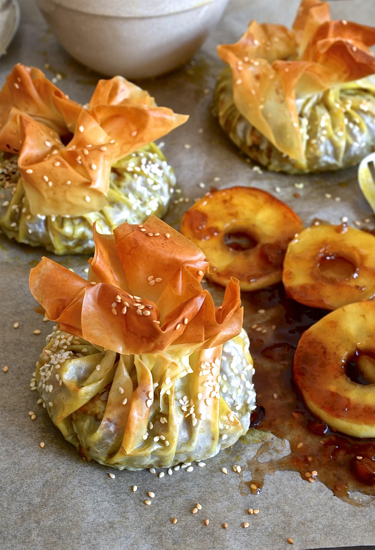 Bobotie filo parcels with apple ring chutney | Bibbyskitchen recipes