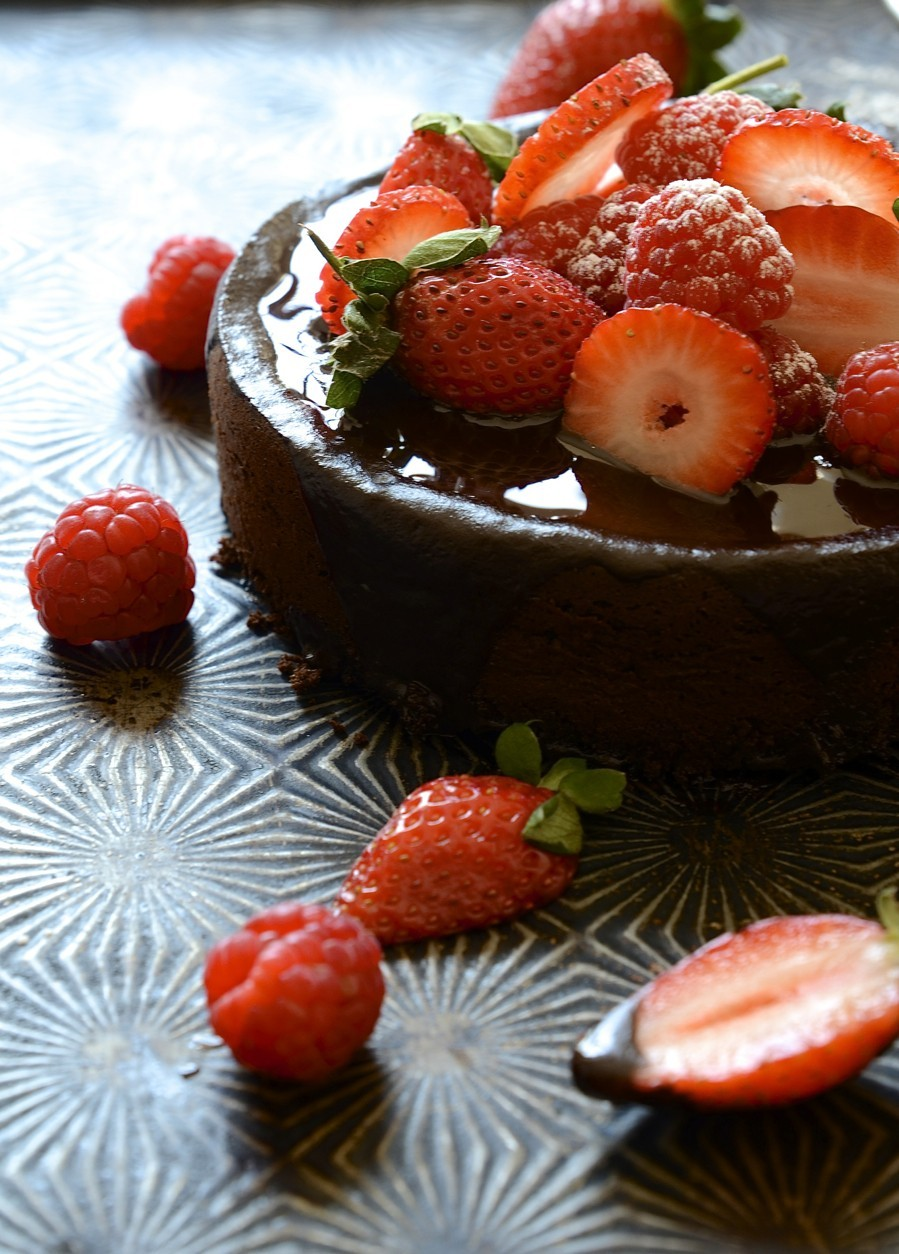 Flour-less Chocolate Cake with Glossy Ganache | Bibbyskitchen recipes