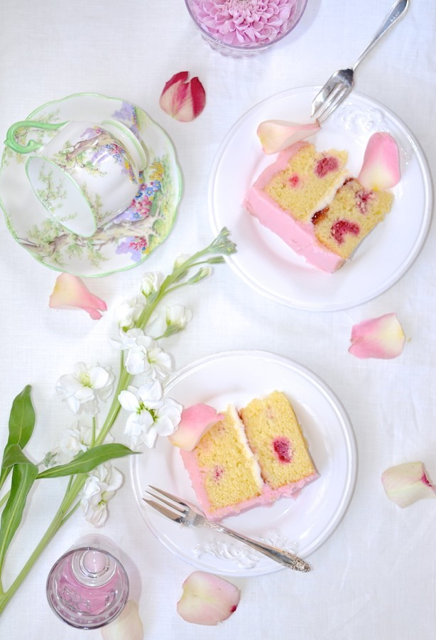 Raspberry vanilla cake with buttercream frosting | Cake Friday recipes