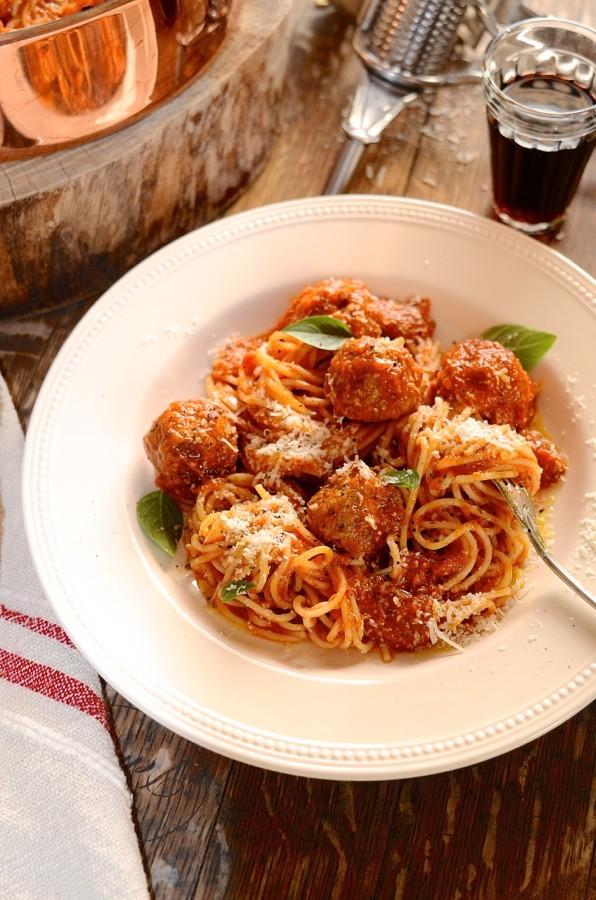Prosciutto meatballs and spaghetti | Family favourite pasta recipe