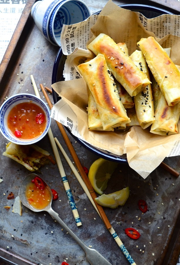 Oyster sauce chicken spring rolls|chili dipping sauce