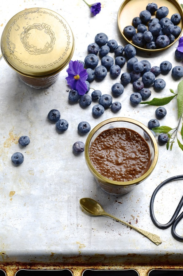 Chocolate and cinnamon chia puddings | Healthy breakfast recipes