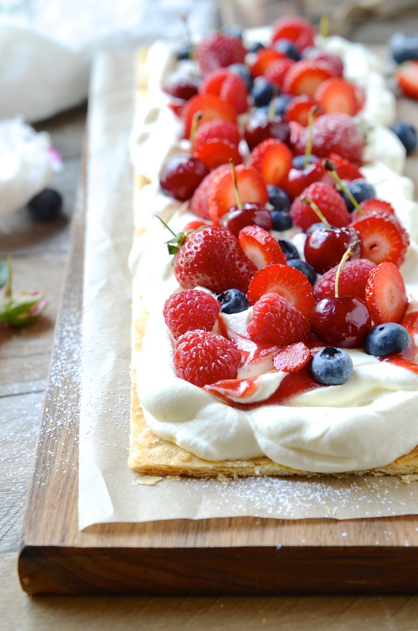 6-Ingredient Summer Berry Tart|strawberries and cream
