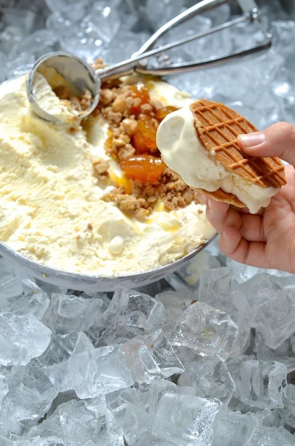 Milk tart ice cream with gingerbread crumble | Bibbyskitchen recipes