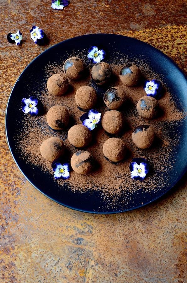 Peanut butter bliss balls|easy recipes for healthy treats