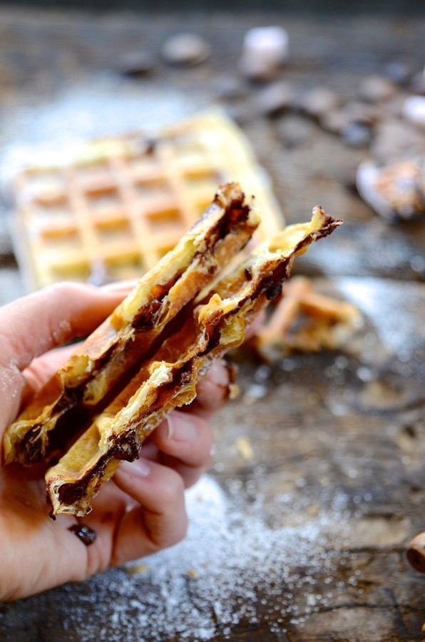 Puff pastry S'mores waffles | Bibbyskitchen recipes | S'mores