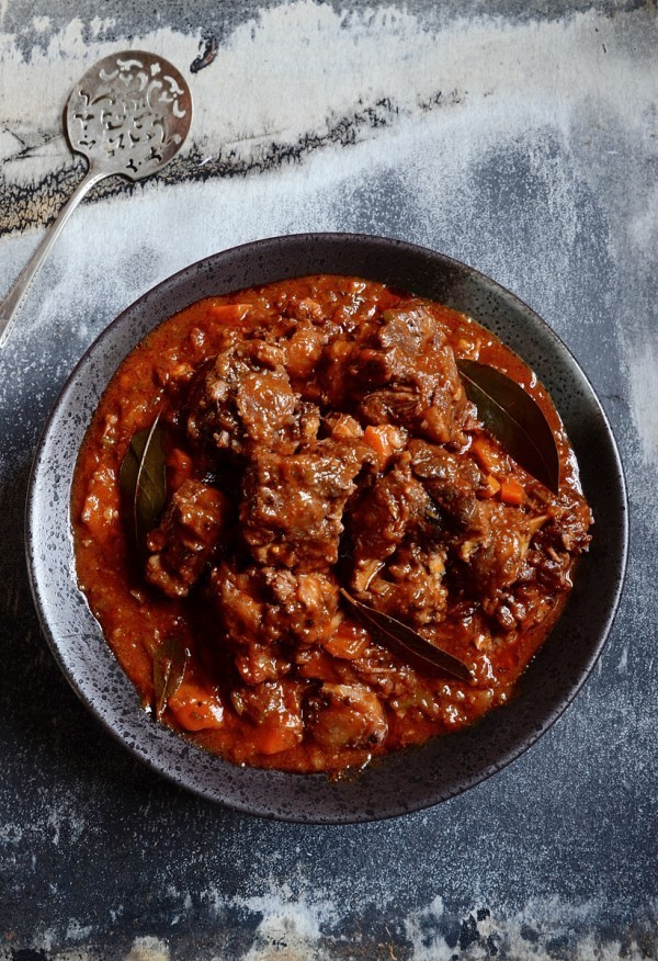 Slow braised red wine oxtail   South Africa's best oxtail recipe