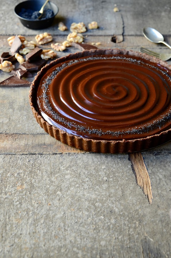 No-bake caramel walnut chocolate tart | Bibbyskitchen recipes