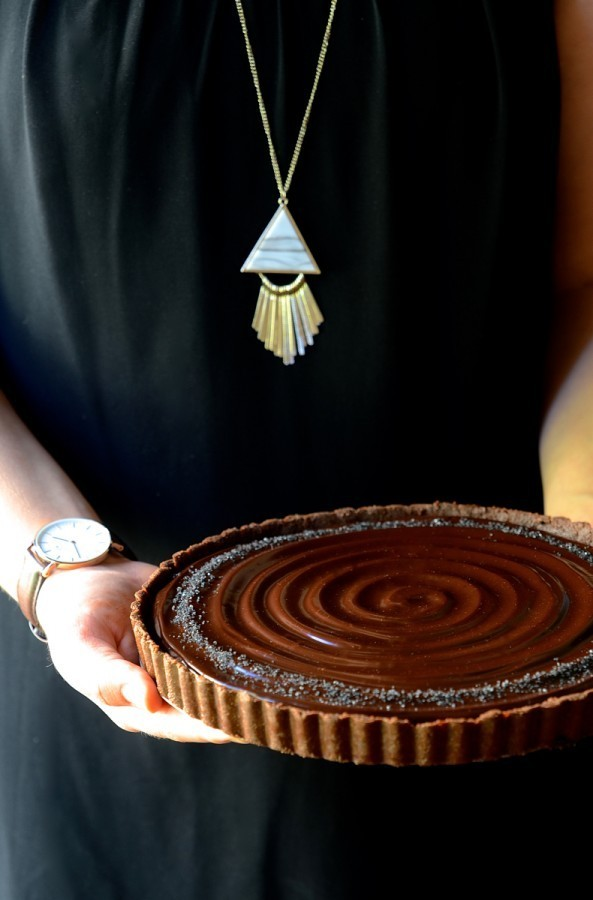 No-bake caramel walnut chocolate tart | Bibbyskitchen recipes