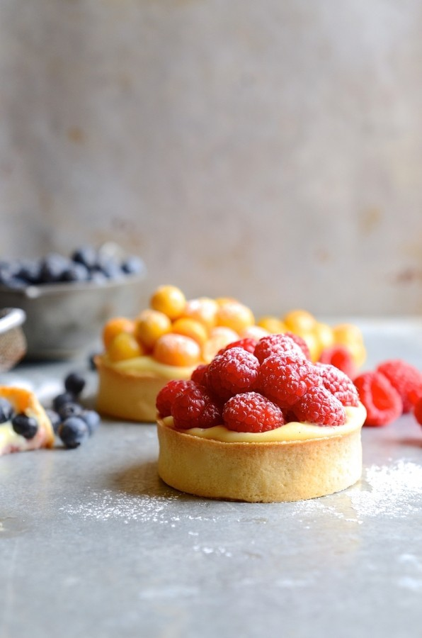 Crème pâtissière summer berry tarts | Bibbyskitchen recipes