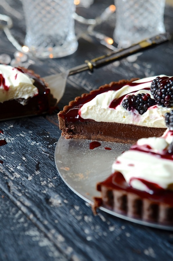 Baked blackberry chocolate fondant tart | Dessert recipes