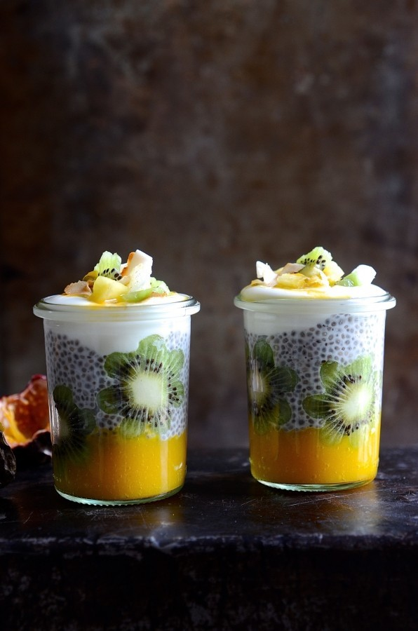 Tropical chia pudding pots