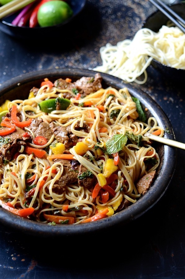 Spicy beef stir fry with sweet peppers and mango | Bibbyskitchen recipes