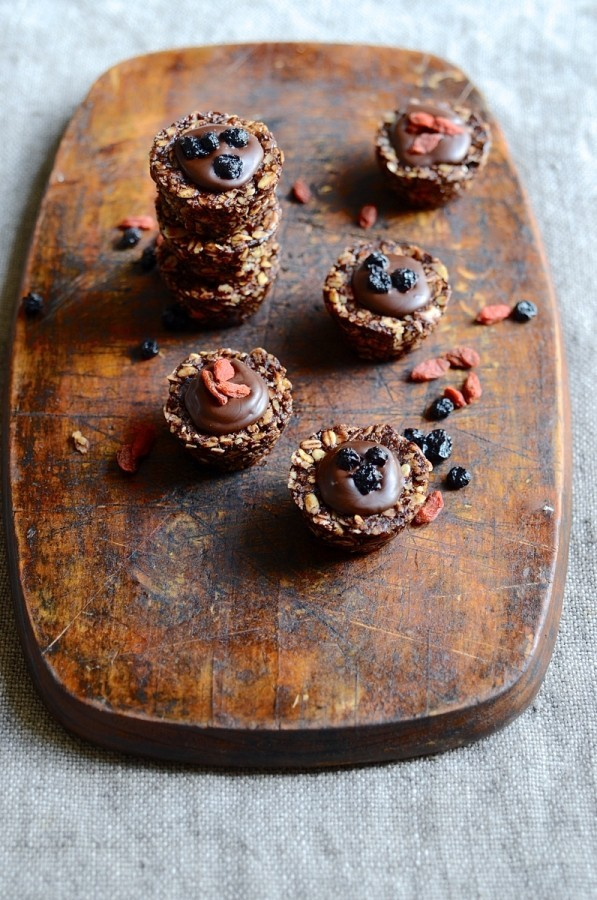 No bake oat and chocolate cookie cups | Healthy treats