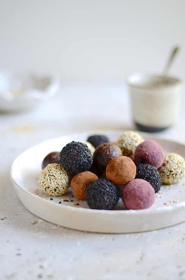 Cashew and Tahini bliss balls | Bibby's kitchen Vegan recipes