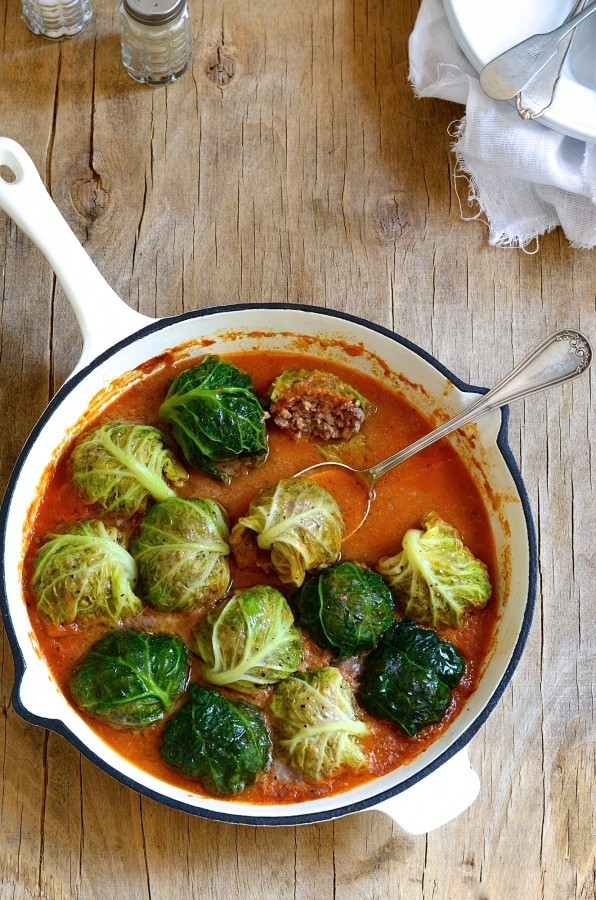 Stuffed cabbage with freekeh meatballs