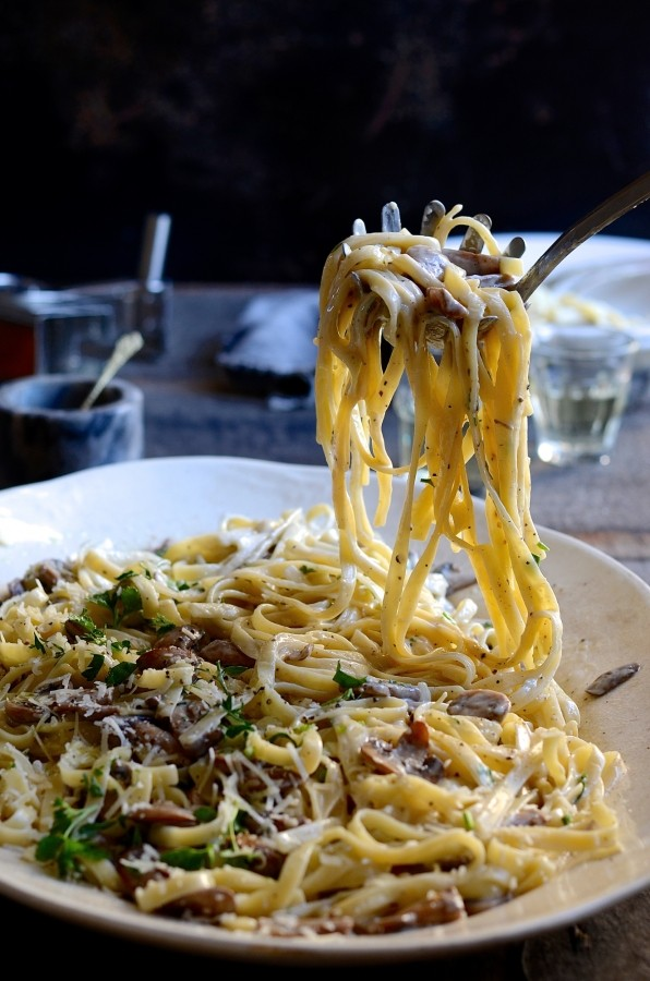 Lemon cream mushroom tagliatelle pasta | Bibbyskitchen recipes