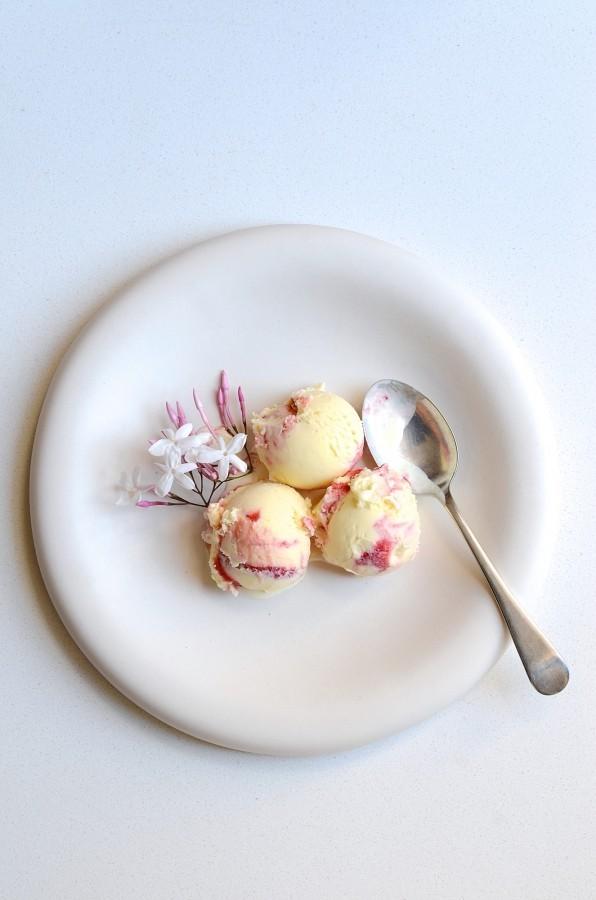 Gin and strawberry swirl ice cream