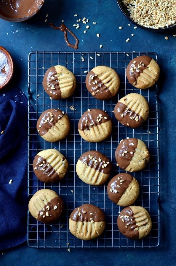 Neiman Marcus peanut butter cookies | Bibbyskitchen cookie recipes