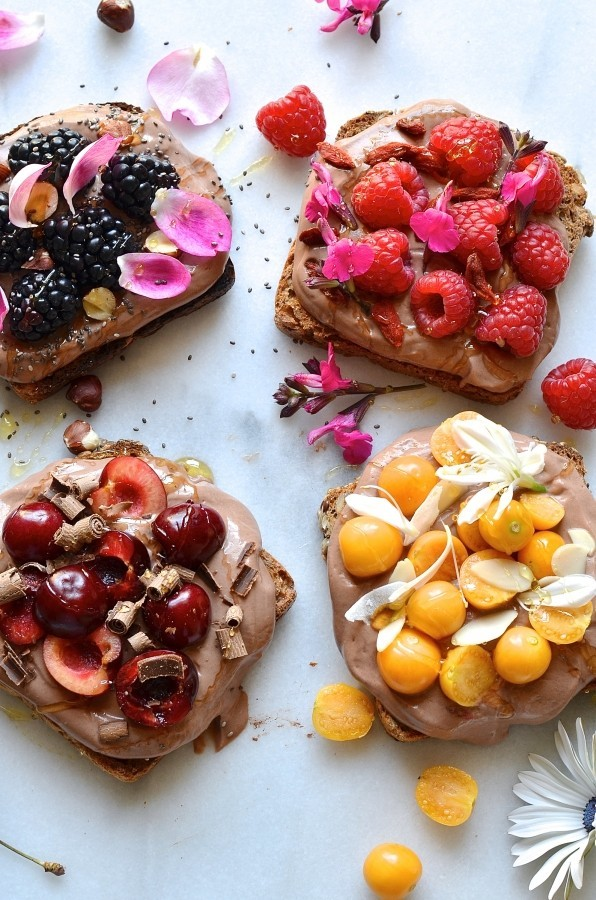 Chocolate yoghurt breakfast toasts | Healthy breakfast recipes