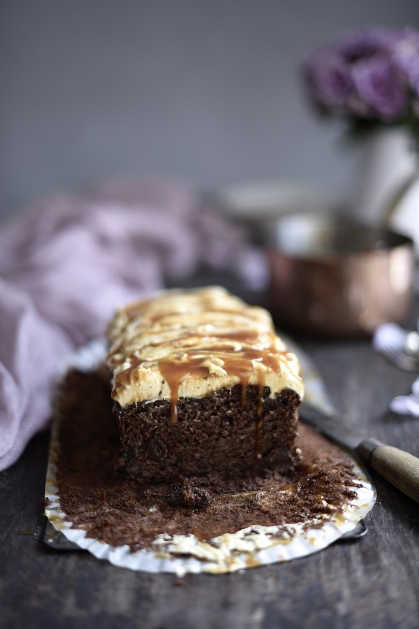 Chocolate fudge banana bread & peanut butter frosting