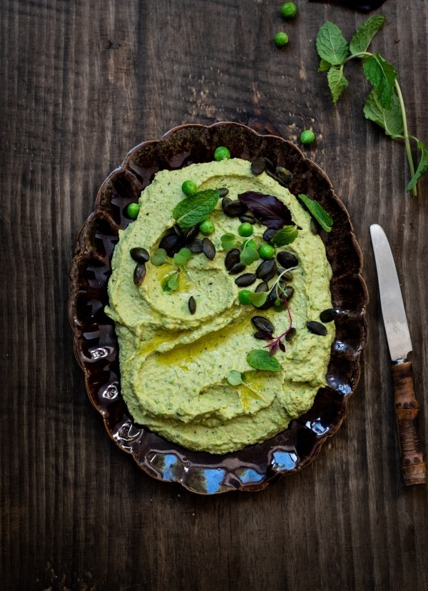 Pea and mint hummus
