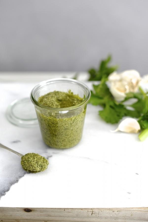 Detox celery leaf pesto