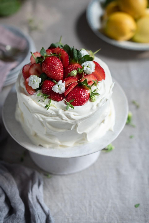 Lemon curd cream cake | Bibbyskitchen recipes | Cake Friday