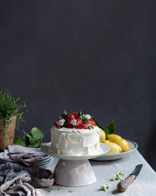 Lemon curd cream cake