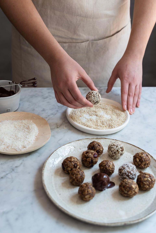 Almond butter and oat snack balls | Bibbyskitchen @ 36 | Healthy treats
