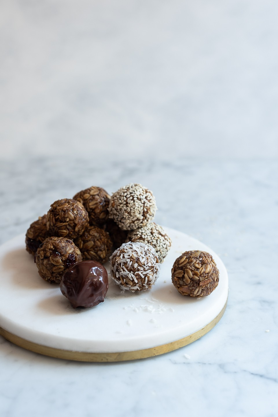 Almond butter and oat snack balls | Bibbyskitchen @ 36 |
