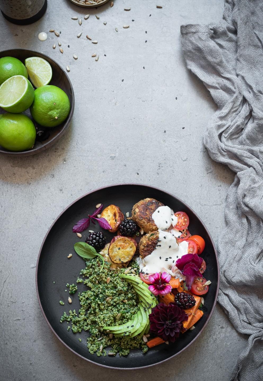 Spinach and quinoa buddha bowl | Vegan recipes on Bibbyskitchen