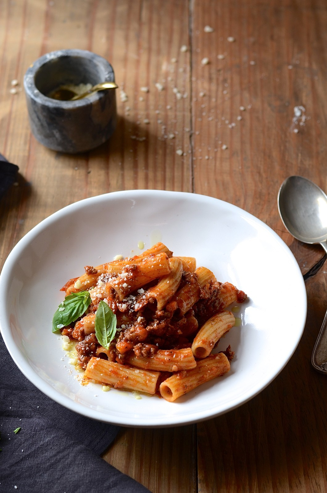Red wine ragu with rigatoni | Bibbyskitchen Best Bolognese sauce