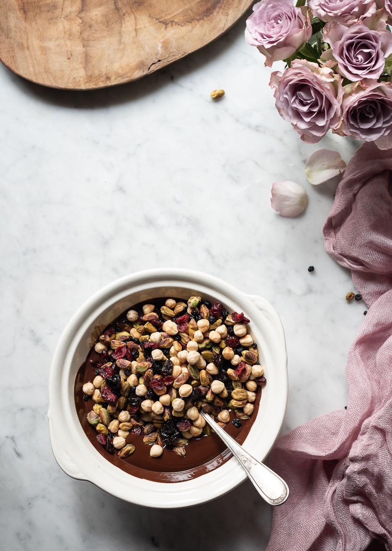 The nuttiest chocolate bark | Bibbyskitchen recipes