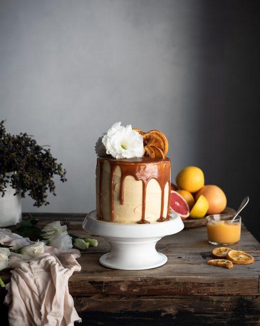 Vanilla and orange cake with grapefruit curd