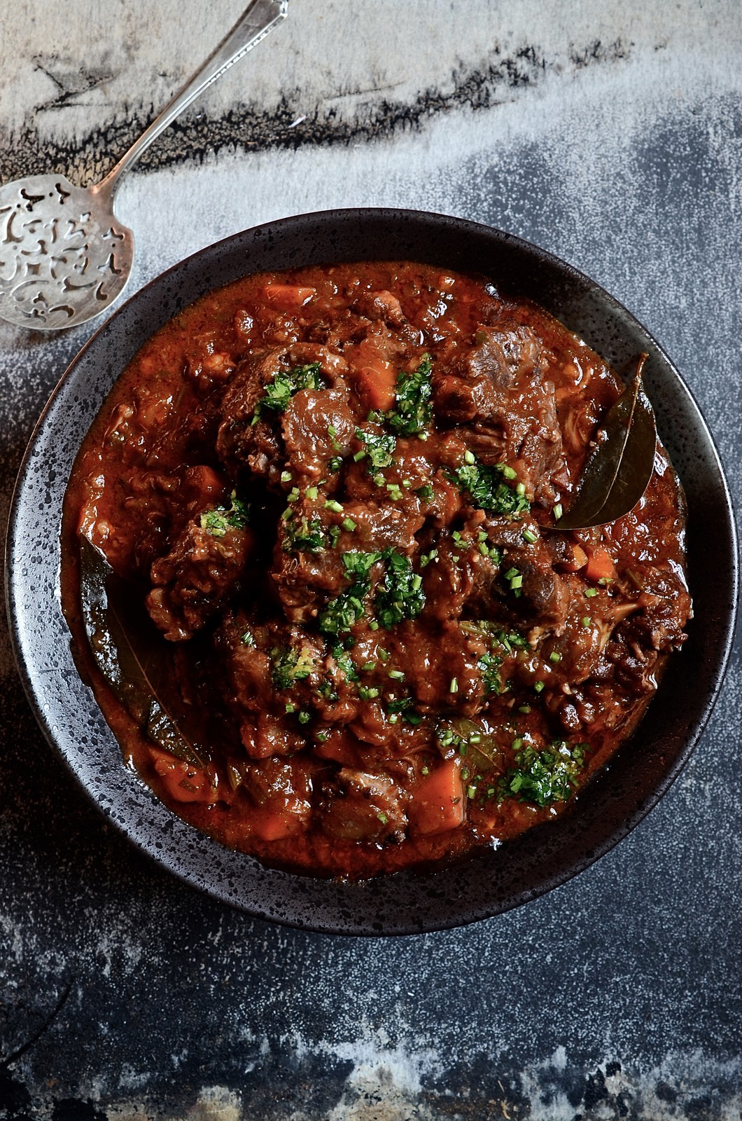 Red wine oxtail