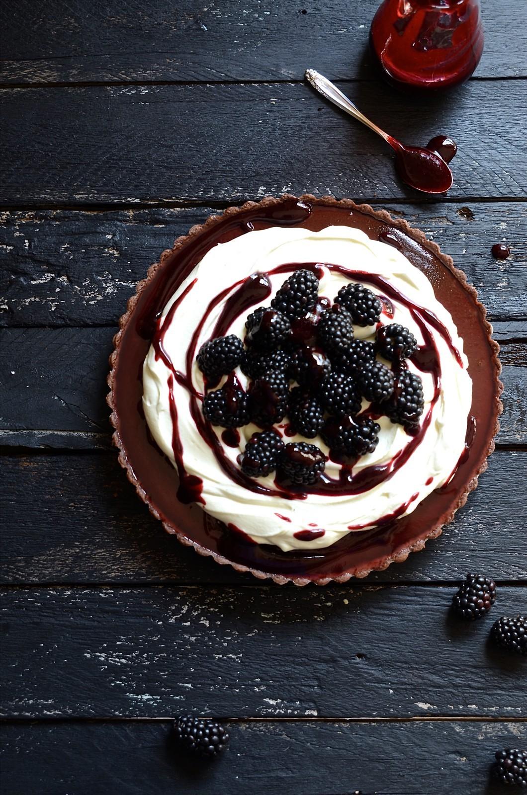 Baked blackberry chocolate fondant tart | Bibbyskitchen desserts