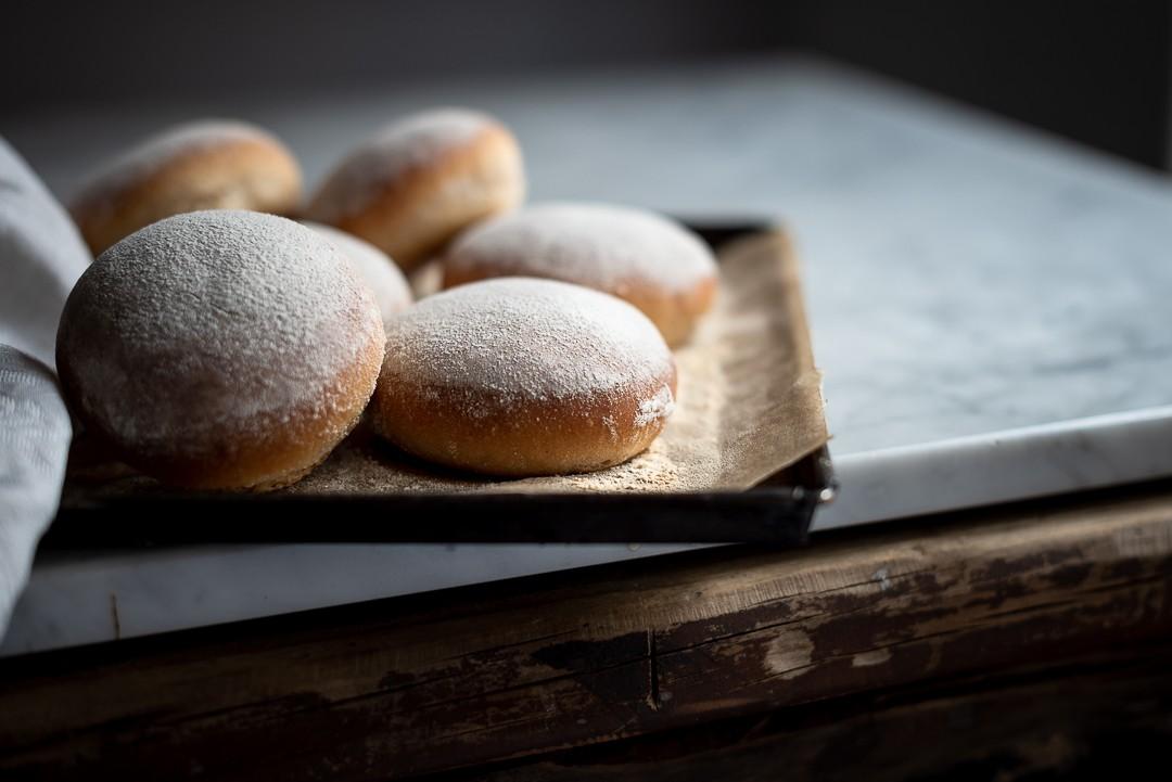 Floured milk bread buns | Bibbyskitchen recipes | Bread