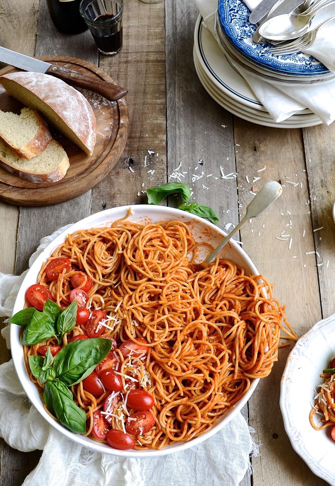 Spaghetti with roasted tomato sauce