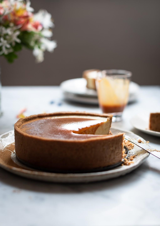 Milk tart cheesecake with rum caramel | Bibbyskitchen recipes |
