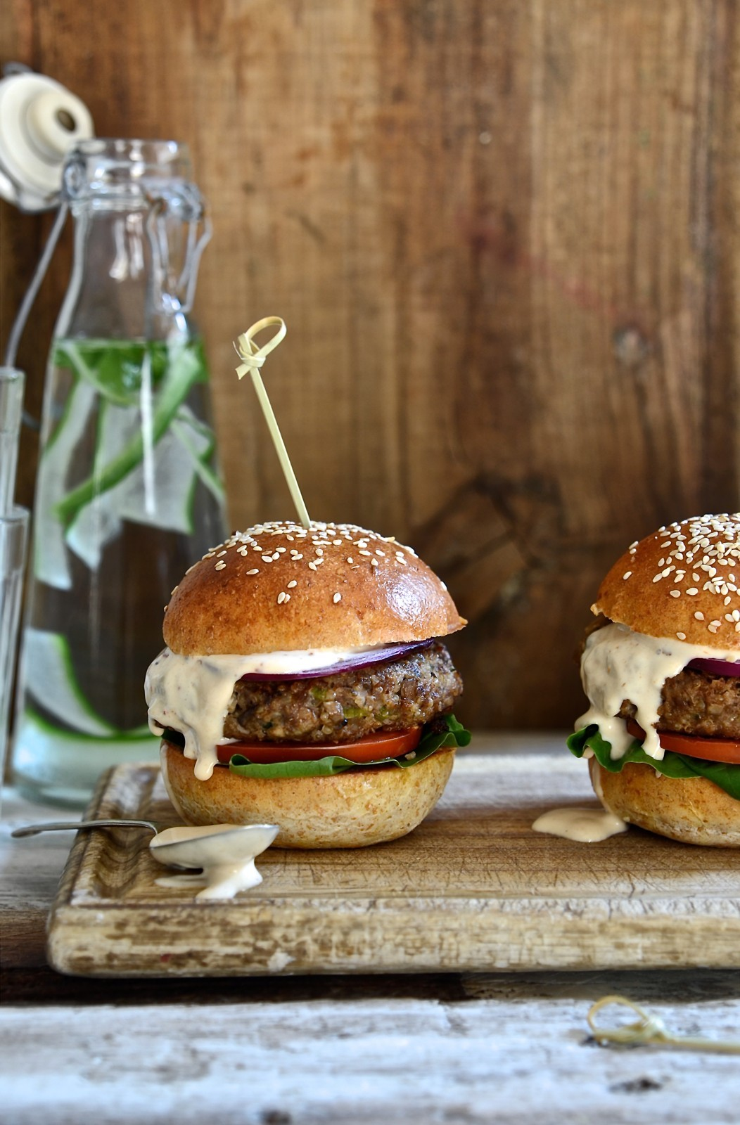 Beef burgers with mushrooms